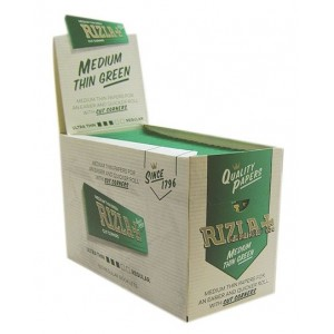 Rizla Medium Thin Rolling Papers with Cut Corners - Green Booklets - 100 Booklets